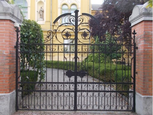 How Much Does It Cost To Install Wrought Iron Gates A Flight